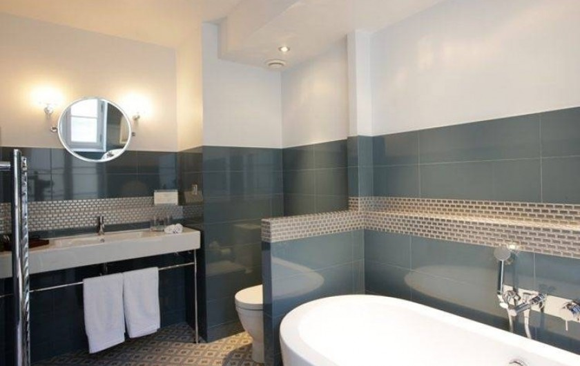 Location de vacances - Hôtel - Auberge à Rémalard - Salle de Bain Palier Chic