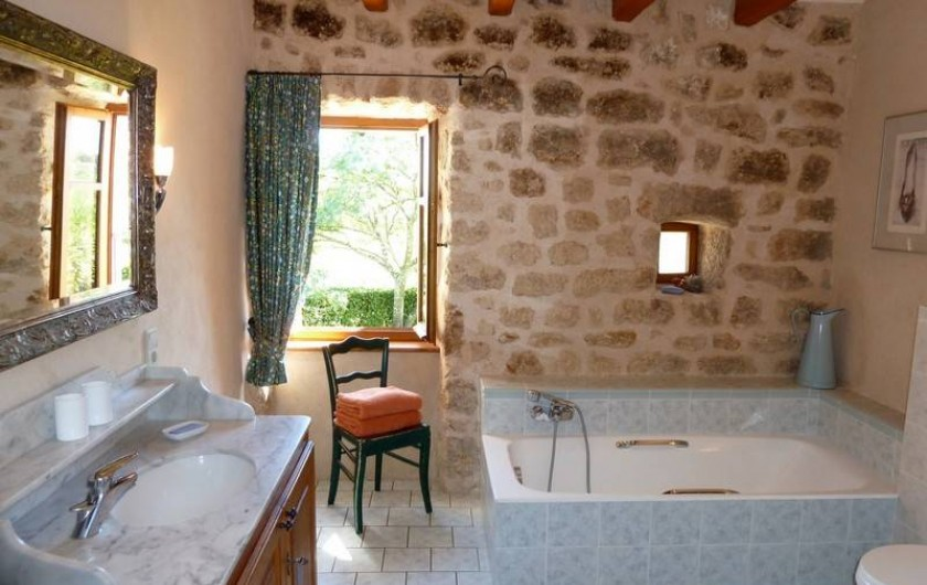 Location de vacances - Gîte à Rosières - Salle de bain (1ière étage)