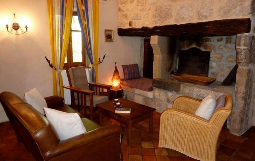 Location de vacances - Gîte à Rosières - Salon avec coin cheminée