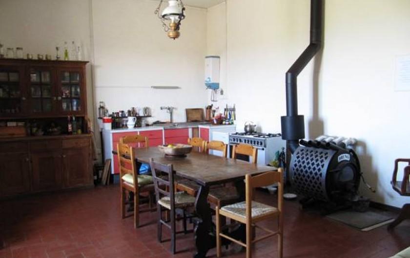 Location de vacances - Appartement à Vada - quisine appartement au nord de la maison pour 5 personnes avec vue sur la mer