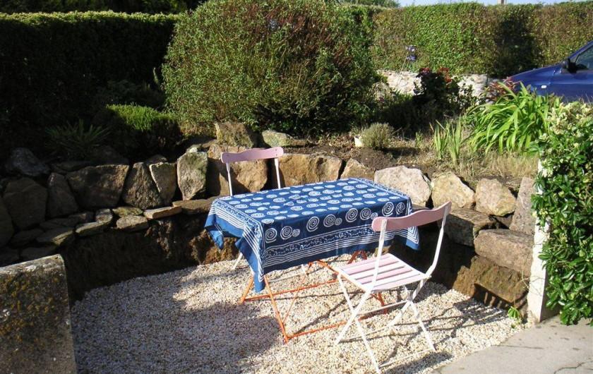 Location de vacances - Maison - Villa à Ploumoguer - Salon de jardin plein sud