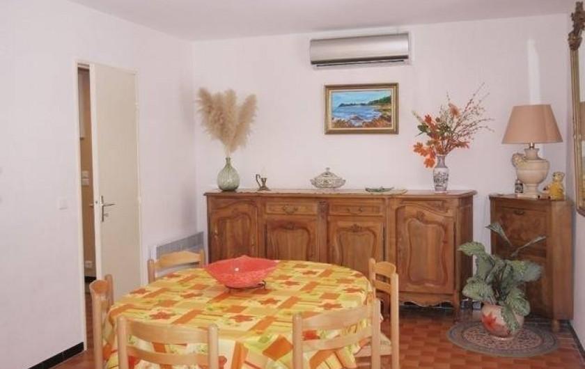 Location de vacances - Gîte à Castifao - grand séjour photo 1
