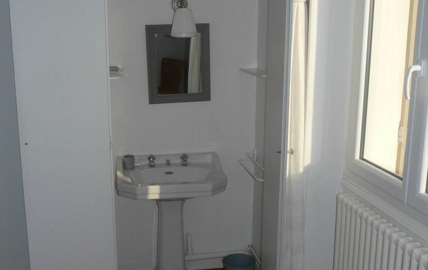 Location de vacances - Maison - Villa à Pléneuf-Val-André - cabinet toilette chambre 1