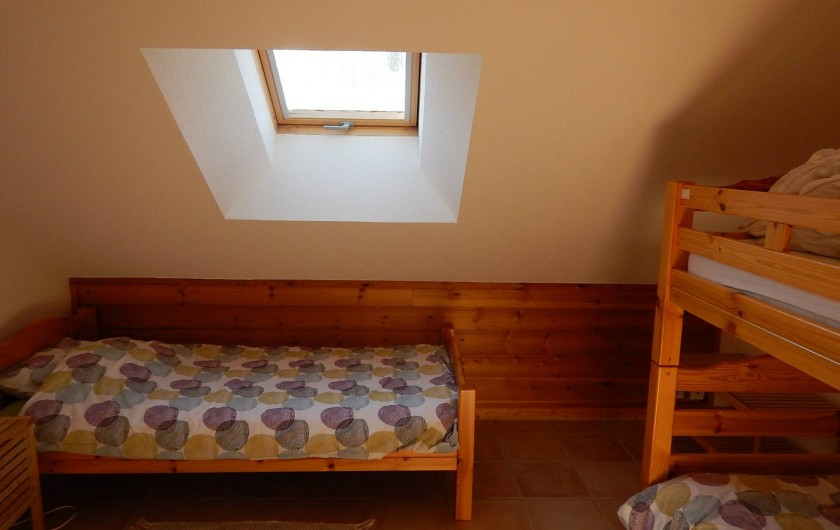 Location de vacances - Chalet à Crévoux - La chambre enfants