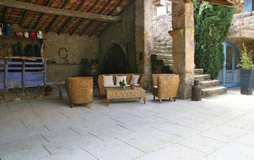 Location de vacances - Chambre d'hôtes à Rosières - Salon dans la cour intérieure