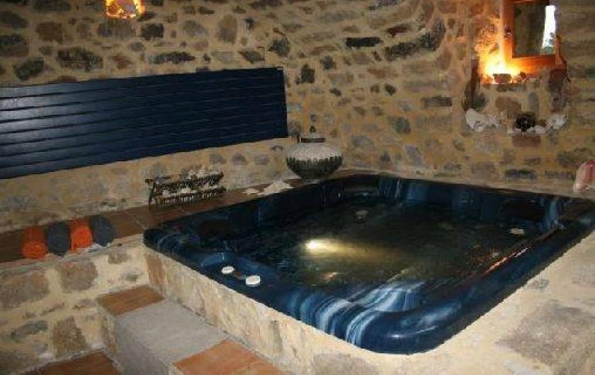 Location de vacances - Chambre d'hôtes à Rosières - Jacuzzi