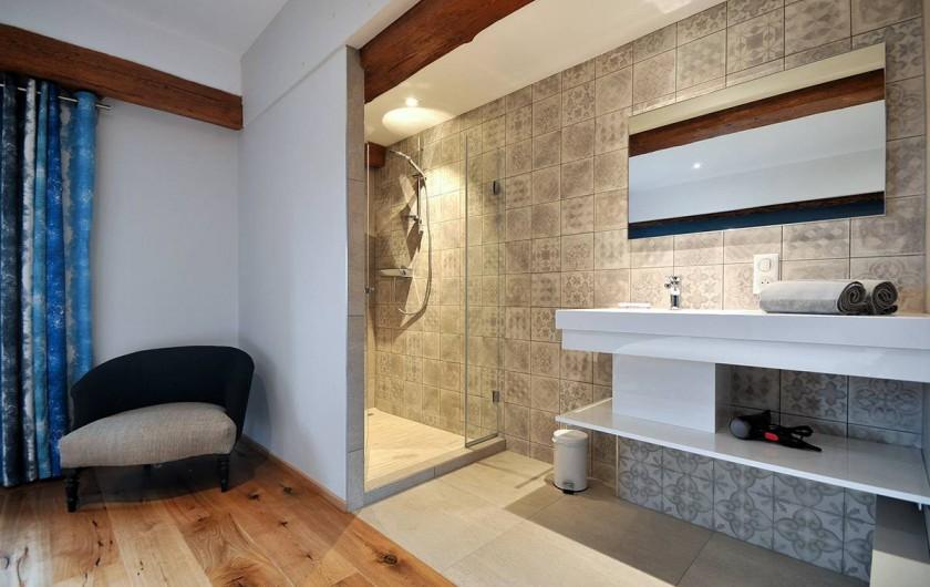 Location de vacances - Gîte à Pfaffenheim - La Terrasse d'Alphonse: salle-de-bain chambre 1