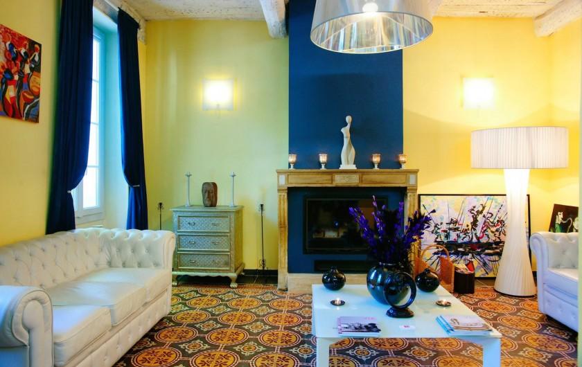 Location de vacances - Hôtel - Auberge à Collobrières - Le Lobby de l'Hôtel Notre Dame ***