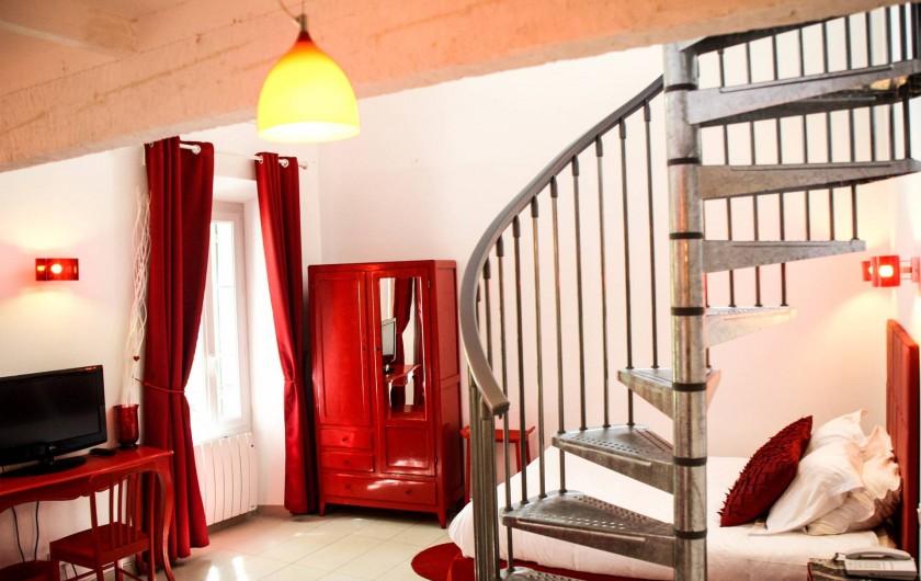 """Location de vacances - Hôtel - Auberge à Collobrières - La Suite Luxe Familiale """"Rubis"""""""