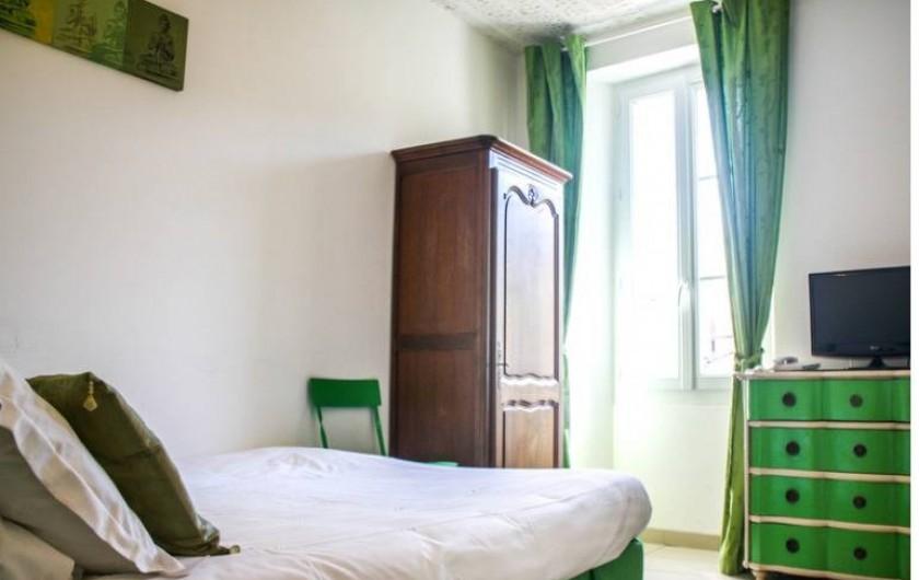 """Location de vacances - Hôtel - Auberge à Collobrières - La Chambre Classique """"Jade"""""""