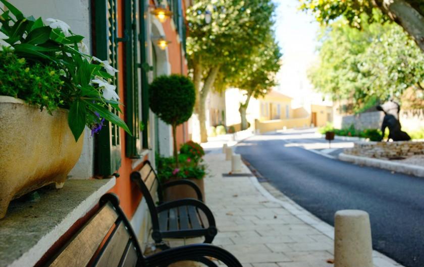 Location de vacances - Hôtel - Auberge à Collobrières - Un moment de repos situé à l'entrée du Village de Collobrières