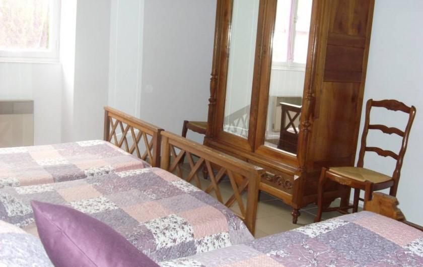 Location de vacances - Chambre d'hôtes à Les Essarts - chambre  glycine