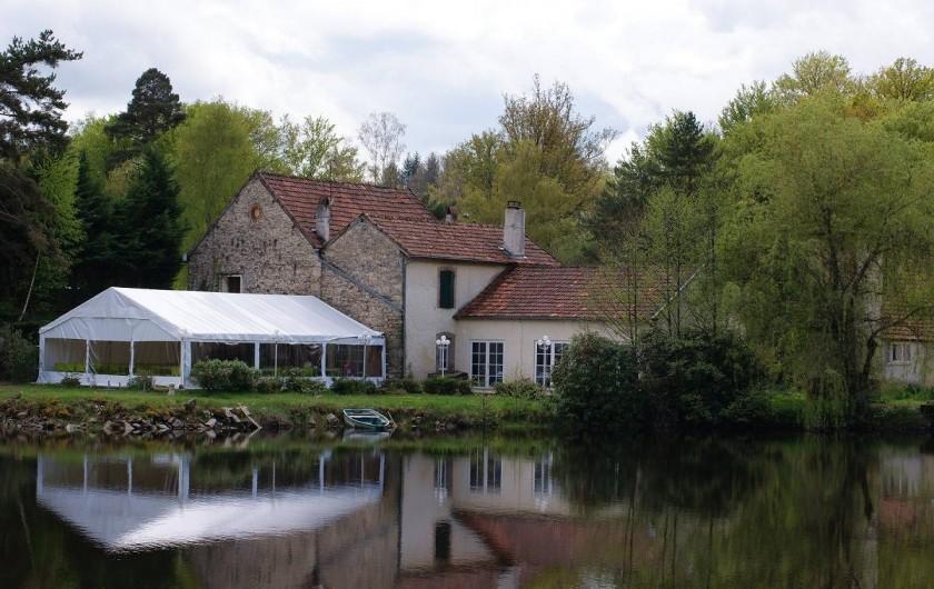 Location de vacances - Insolite à Sainte-Fortunade - Le restaurant près du gîte