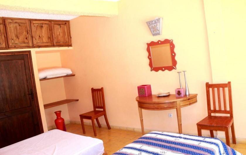 Location de vacances - Chambre d'hôtes à Agadir - elements de deco d une chambre