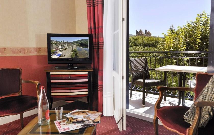 Location de vacances - Hôtel - Auberge à Argentat - Vue sur la terrasse de la chambre N°19 au Sablier du Temps