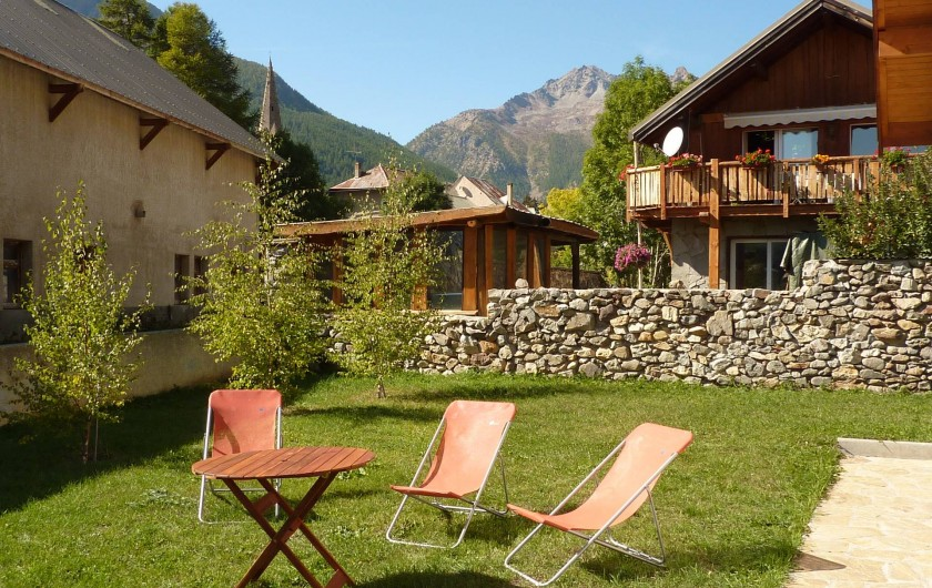 Location de vacances - Appartement à Le Monêtier-les-Bains - Jardin