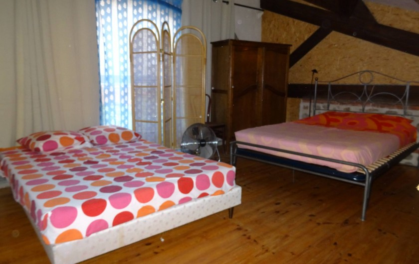 Location de vacances - Appartement à Bompas - la chambre en mezzanine, 2 lits de 2 personnes