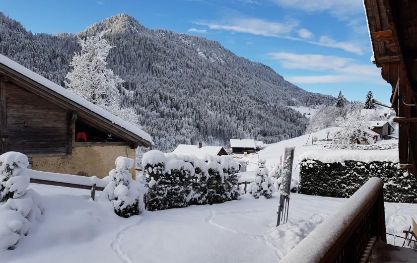 Location de vacances - Chalet à Les Diablerets - Vue sur la Vallée enneigée des Ormonts