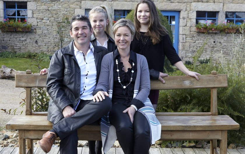 Notre famille: Louise, Laurine, Bertrand et Catherine