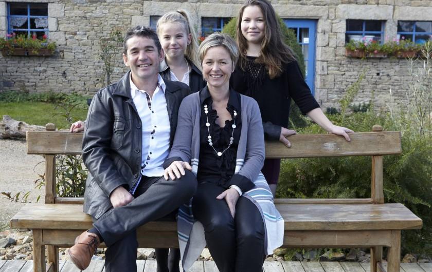 Location de vacances - Gîte à Plouégat-Moysan - Notre famille: Louise, Laurine, Bertrand et Catherine