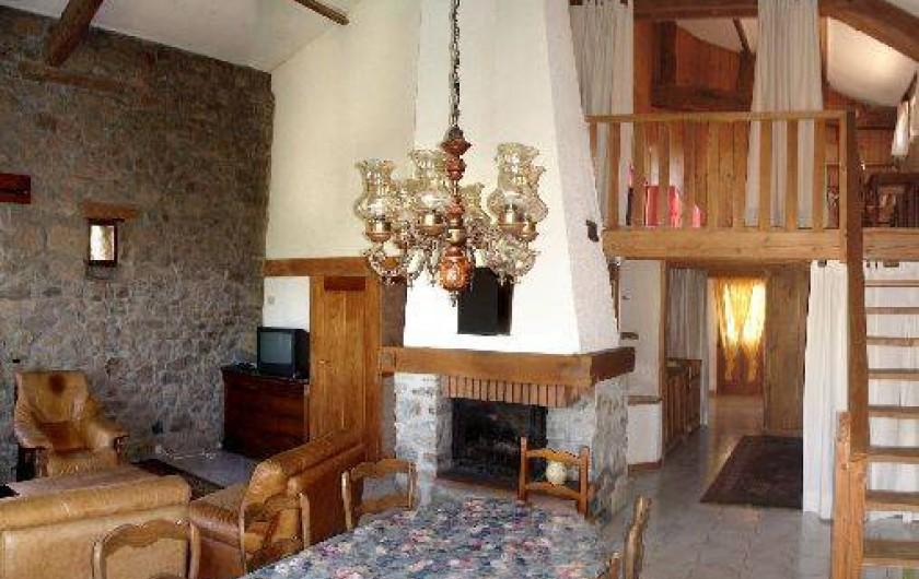 Location de vacances - Gîte à Saint-Alban-d'Ay - Salon / séjour