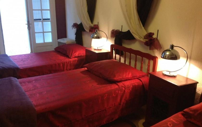"""Location de vacances - Appartement à Saint-Aygulf - Chambres à coucher 3 personnes appartement """"rez-de-jardin"""""""