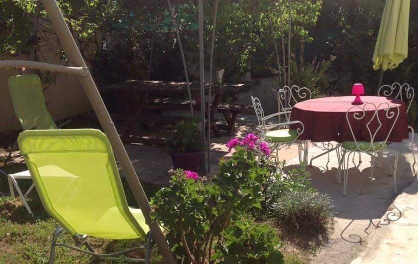 "Location de vacances - Appartement à Saint-Aygulf - Jardin appartement ""vue-mer"""