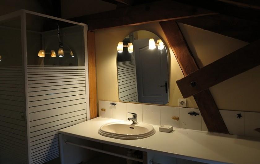 Location de vacances - Gîte à Villeréal - Salle de bain n°1