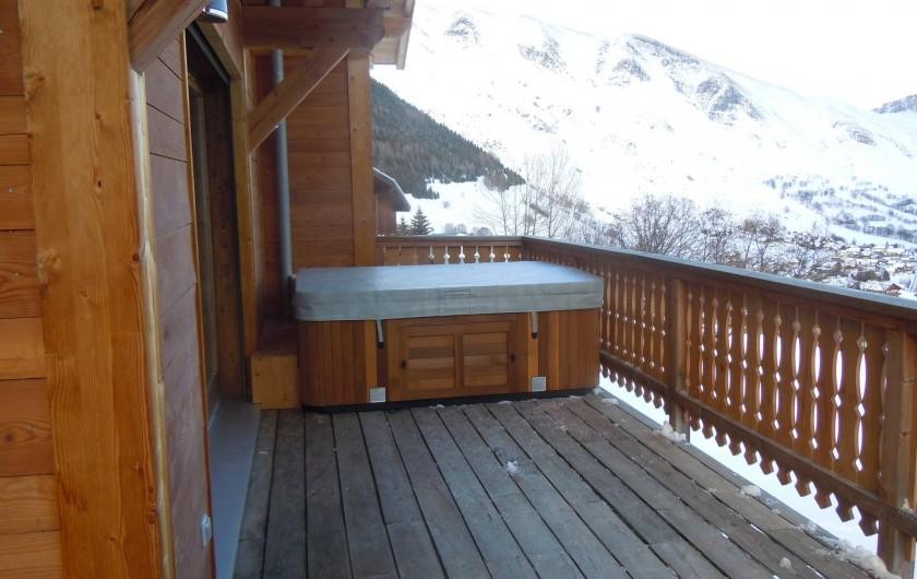 Location de vacances - Appartement à Saint-Sorlin-d'Arves - terrasse  exposée sud communiquant sur salle à manger et cuisine