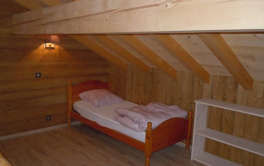 Location de vacances - Appartement à Saint-Sorlin-d'Arves - lit simple coin couchage sous combles (chambre6)