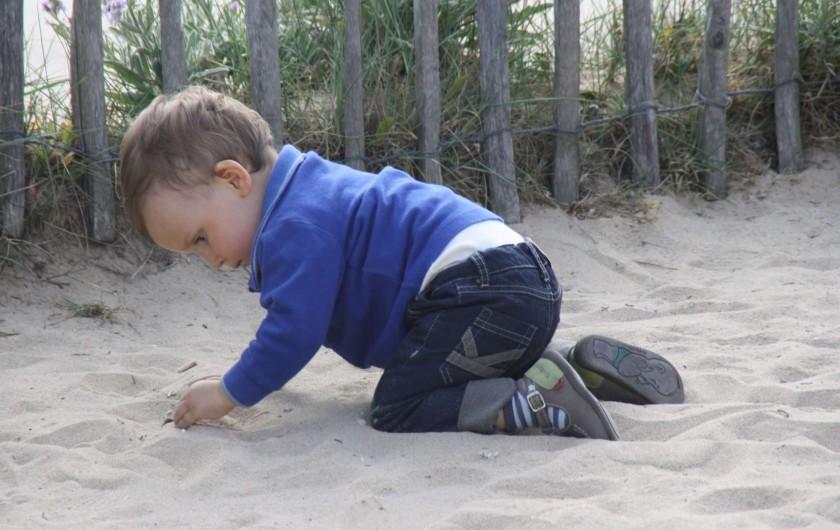 Location de vacances - Villa à Saint-Denis-d'Oléron - Enfant sur la plage