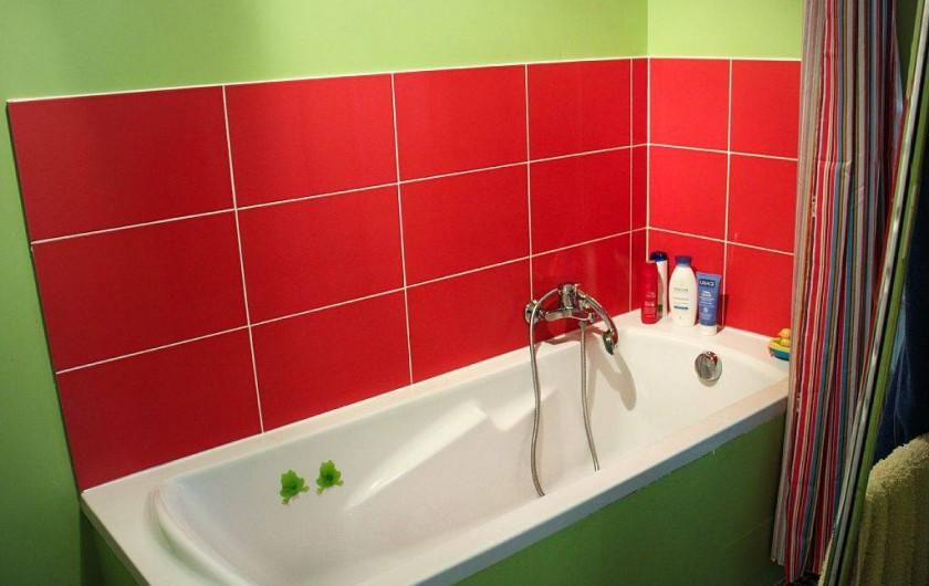 Location de vacances - Appartement à Granville - Salle de bain avec baignoire