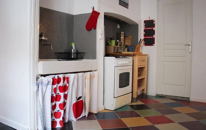 Location de vacances - Appartement à Granville - Cuisine avec gazinière et four électrique