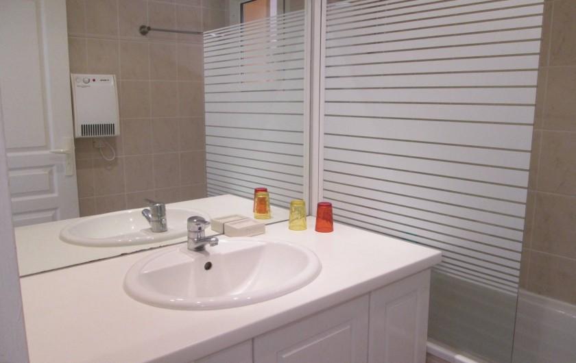 Location de vacances - Appartement à Capbreton - Salle de bain avec baignoire