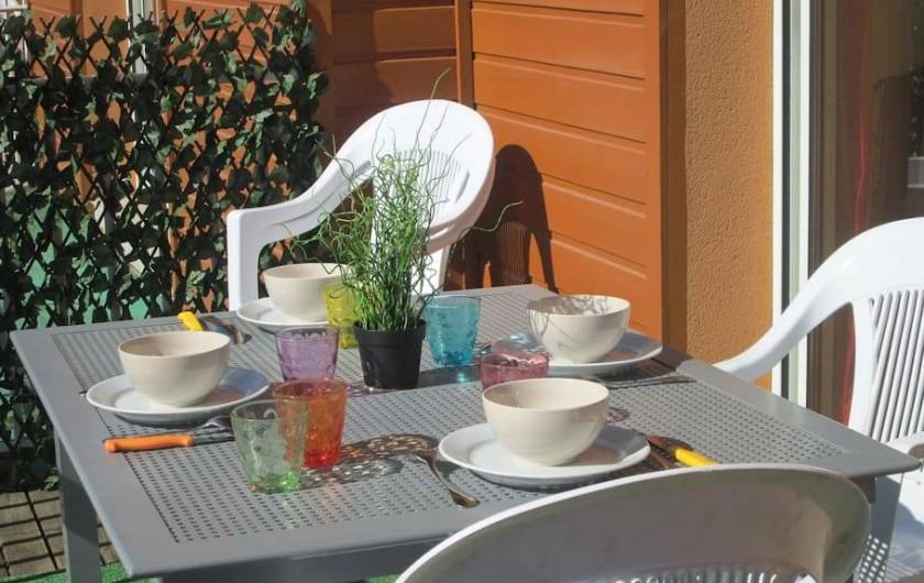 Location de vacances - Appartement à Capbreton - Repas en terrasse