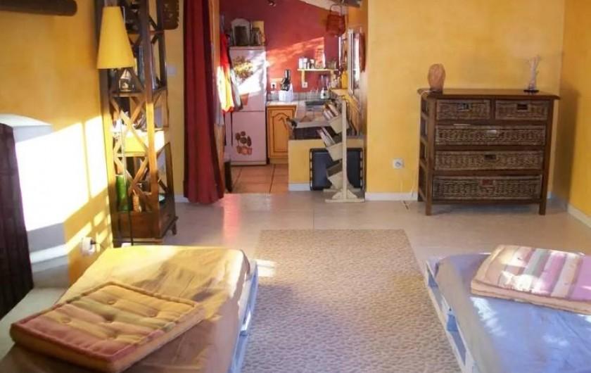Location de vacances - Maison - Villa à Agde - salle de détente avec deux couchages possibles