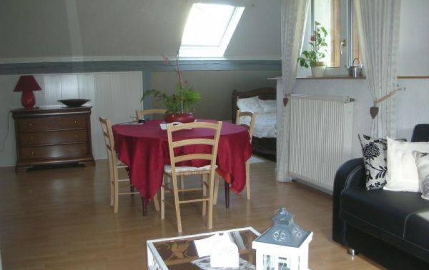 Location de vacances - Gîte à Holving - salon salle a manger
