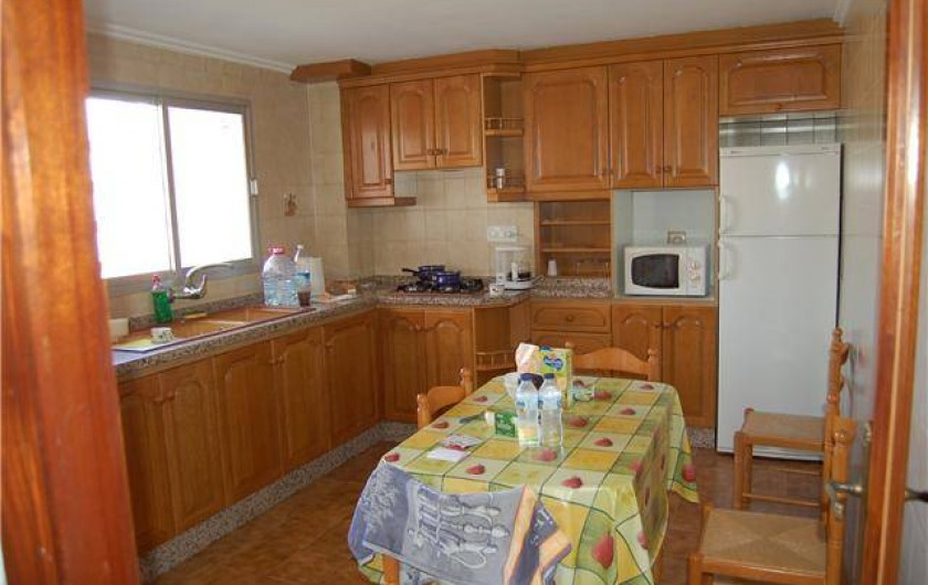 Location de vacances - Appartement à Valence - cuisine  appartement gauche au deuxième étage