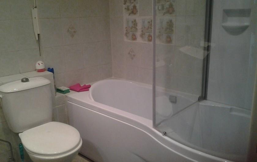 Location de vacances - Appartement à Cannes - SALLE DE BAIN AVEC WC