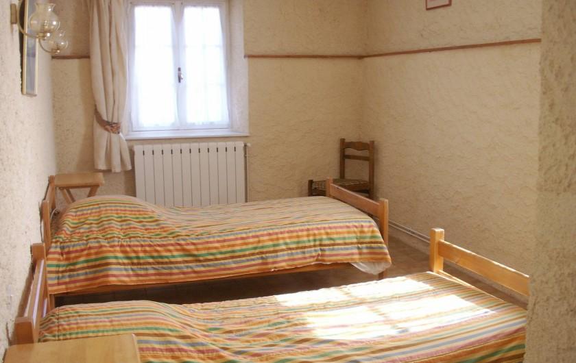 Location de vacances - Appartement à Airoux - chambre avec 2 lits en 90 dans l'appartement Corail
