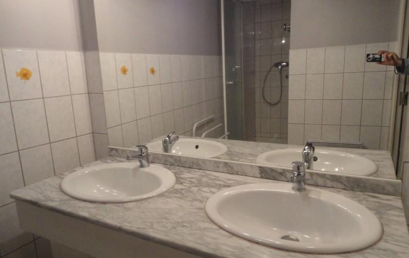 Location de vacances - Gîte à Frencq - Salle  de Bains double  vasques  Douche