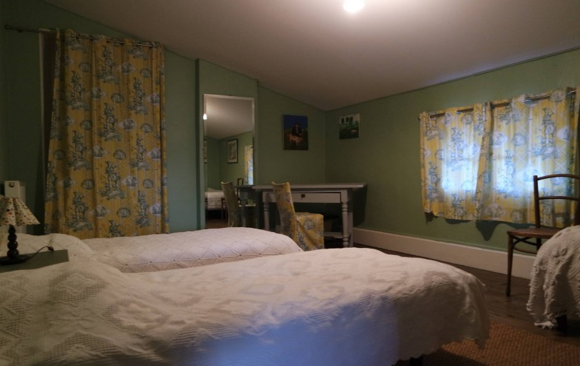 """Location de vacances - Villa à Andancette - Chambre du gîte:  """"Les trois Mousquetaires"""""""