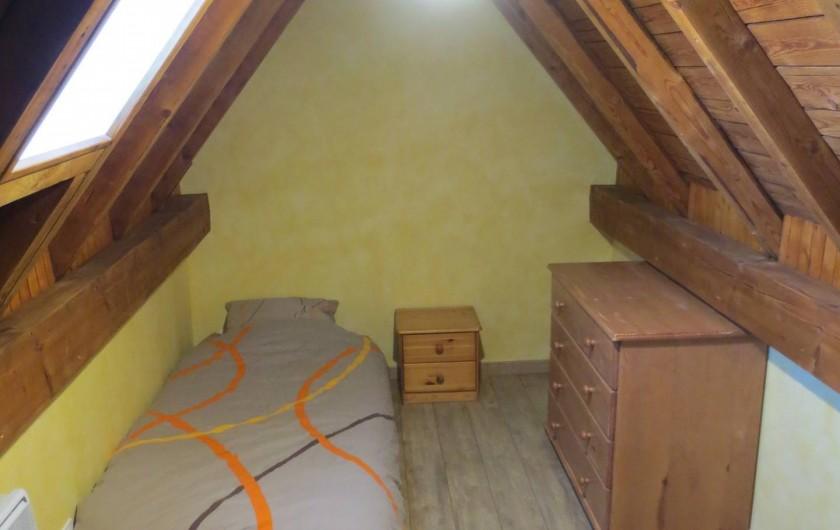 Location de vacances - Appartement à Gérardmer - La Mansarde Chambre 2 (2 lits de 90)