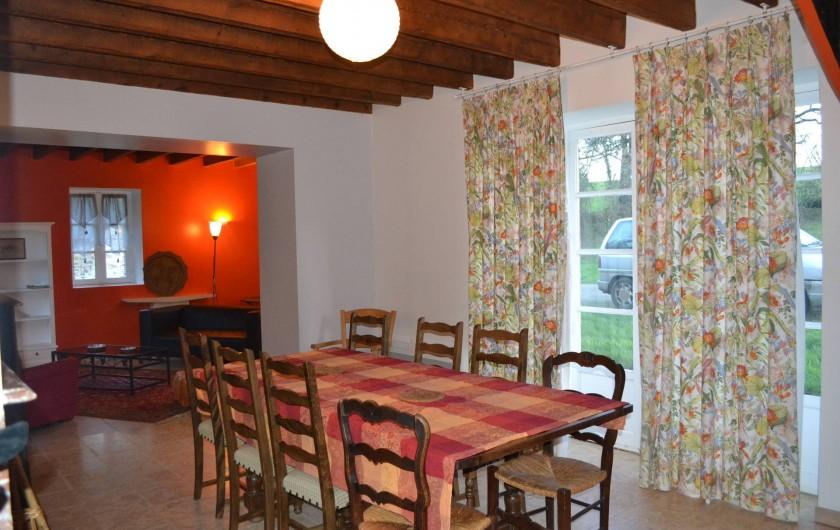 Location de vacances - Gîte à La Baconnière - Séjour avec insert