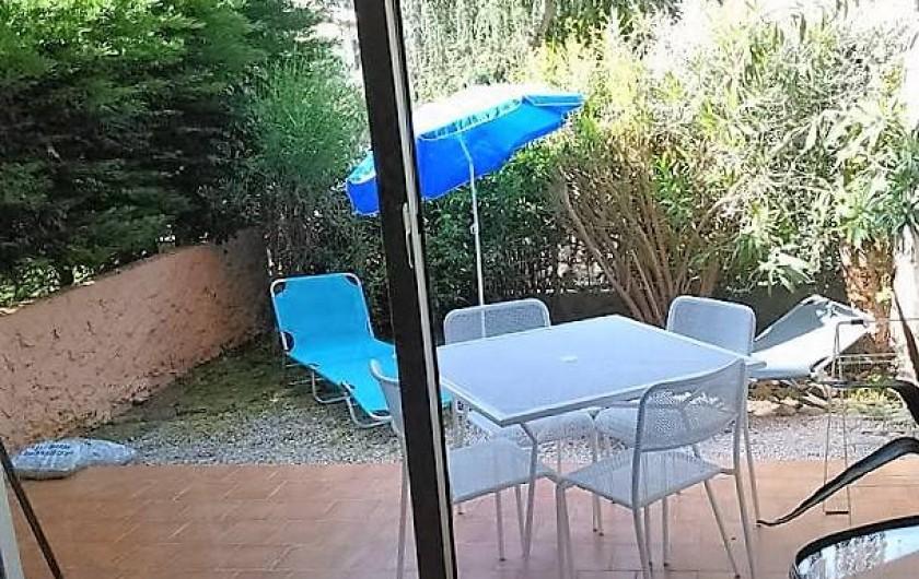 Location de vacances - Appartement à Saint-Mandrier-sur-Mer - Le jardin et la terrasse