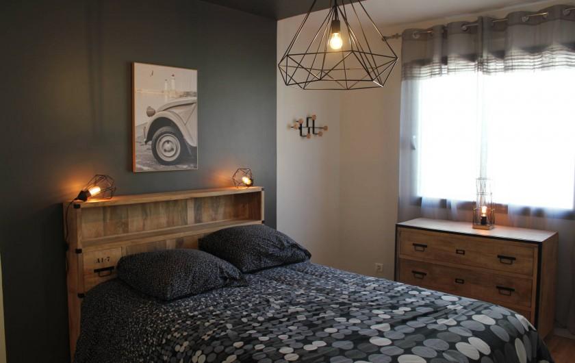 Location de vacances - Villa à Santec - chambre 3  avec salle de douche  140 X 190