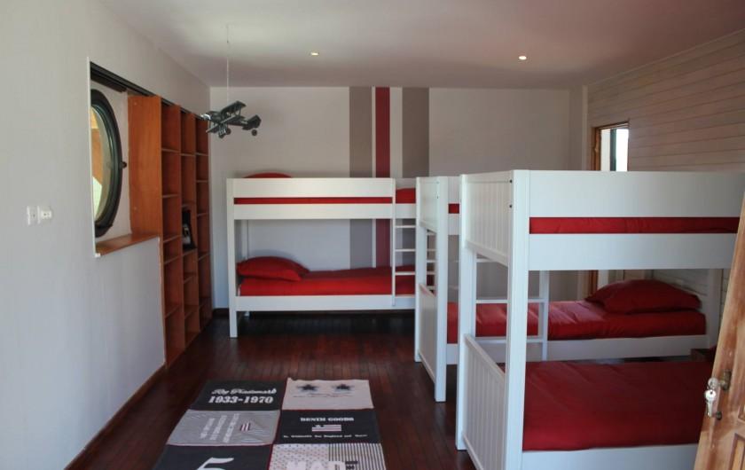 Location de vacances - Villa à Santec - chambre 4  3 lits superposés (6) avec sa salle de bain