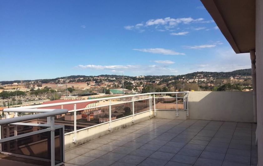 Location de vacances - Appartement à Aix-en-Provence - la terrasse de 51M2