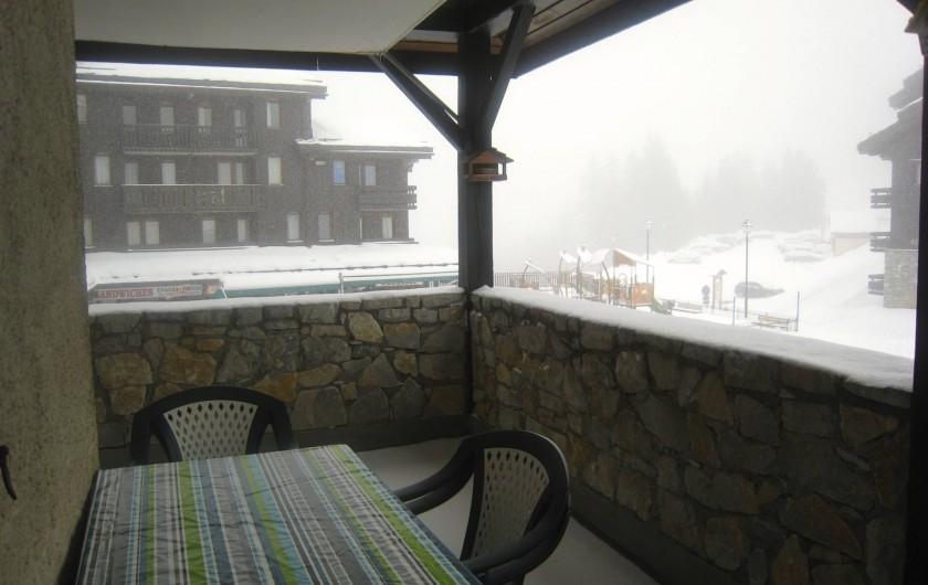 Location de vacances - Appartement à Valmorel - Terrasse jour de neige....