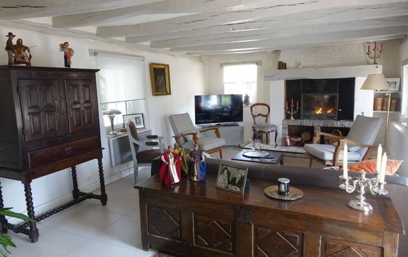 Location de vacances - Maison - Villa à Fondettes - salon avec cheminée
